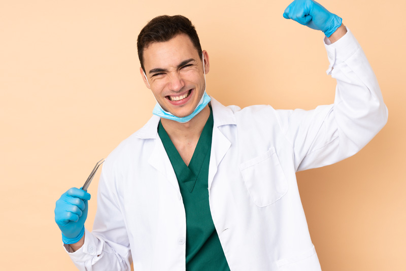 Powerful Dentist